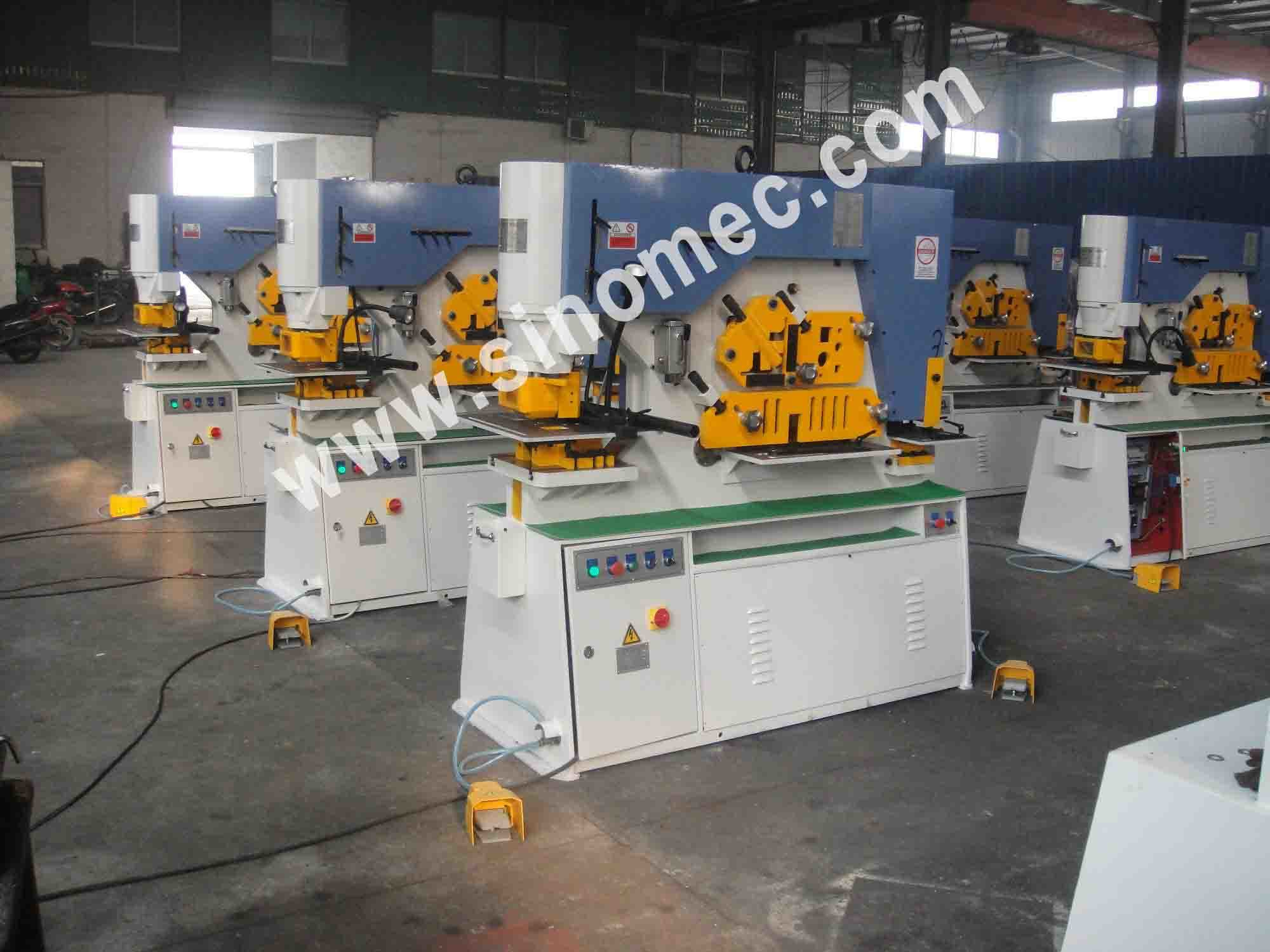 Hydraulic Multiple Functions Ironworker Punching Q35y-30