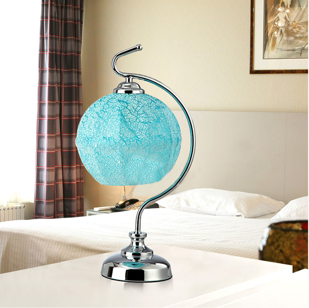 Cool This Coloured Porcelain Macaw Mounted As A Table Lamp Is No Longer