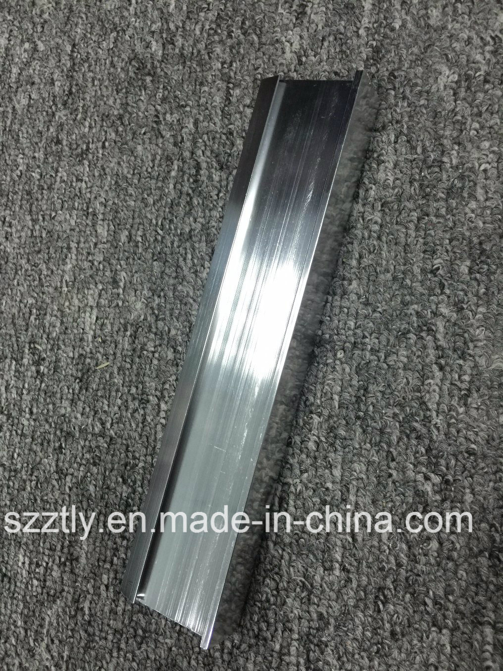 Bright Polished Anodised Aluminium Extrusion Profile