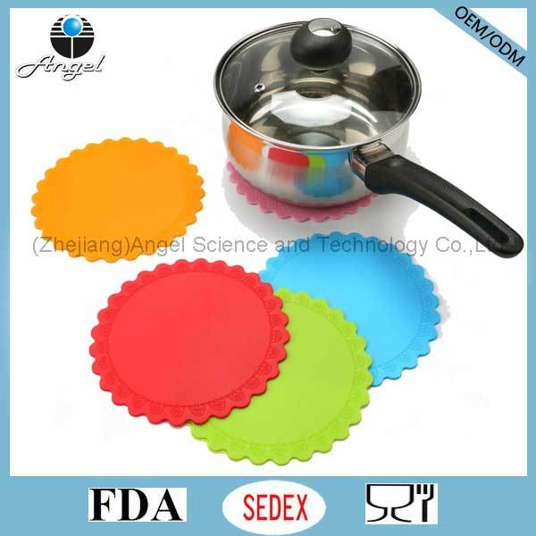 Medium Size Silicone Pad, Silicone Coaster for Cup Sm36