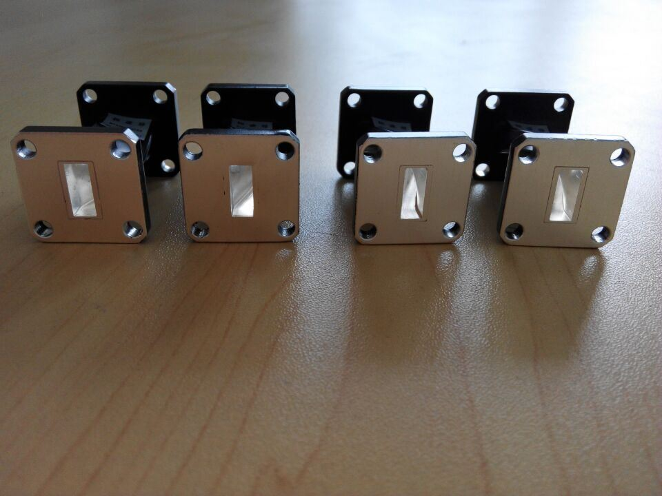 Silver Plated Waveguide Filter Frequency: 17.6~26.7GHz for Satellite