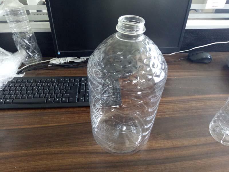Oil Bottle Blowing Mold