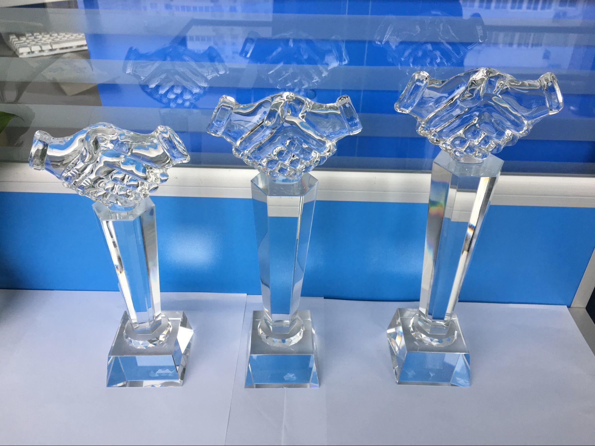 2017 Handshake Crystal Trophy Crystal Award