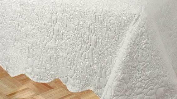 Bedding Set Solid Embroider Quilt