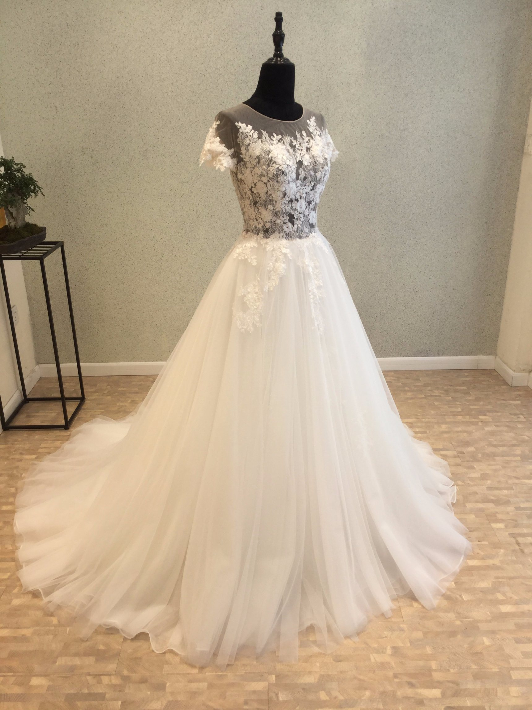 Short Sleeve Lace Evening Prom Bridal Gown Wedding Dress