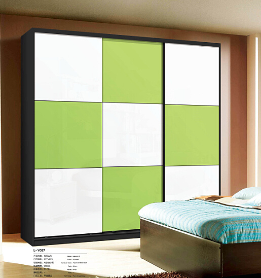 Sliding door wardrobe designs for bedroom for Latest bedroom designs 2016