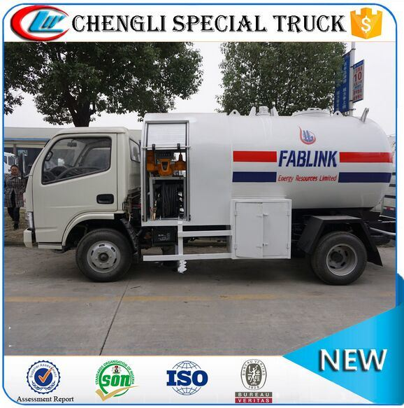 off-Road Right Hand Drive LPG Dispenser Refuelling Tanker Truck