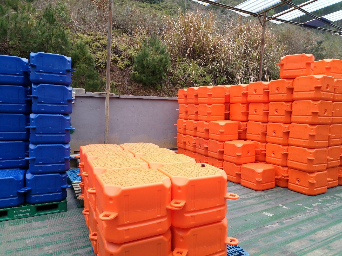 Factory Direct Wholesale Durable Plastic Floating Pontoon Dock