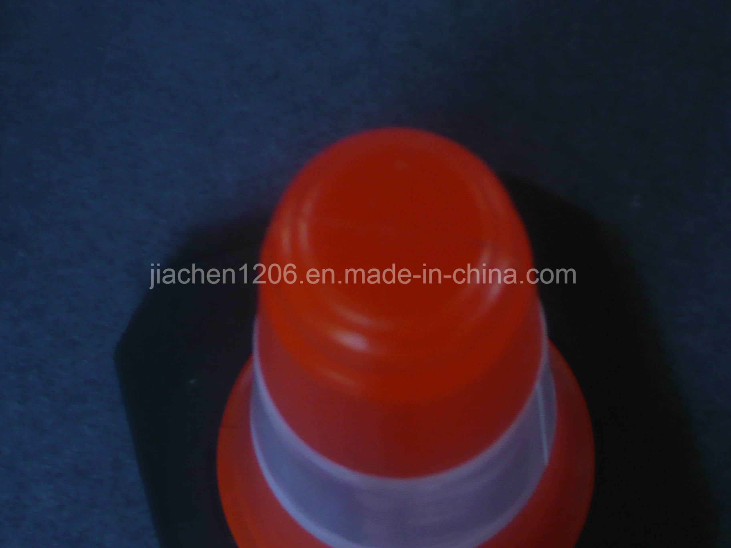 PE 750mm Factory Direct High Quality Rubber Base Traffic Cone
