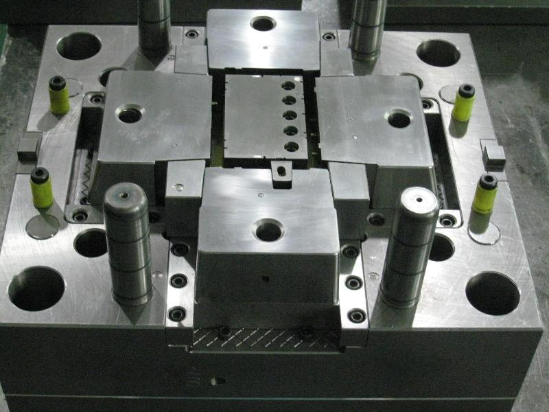 China Injection Plastic Mold Manufacturer