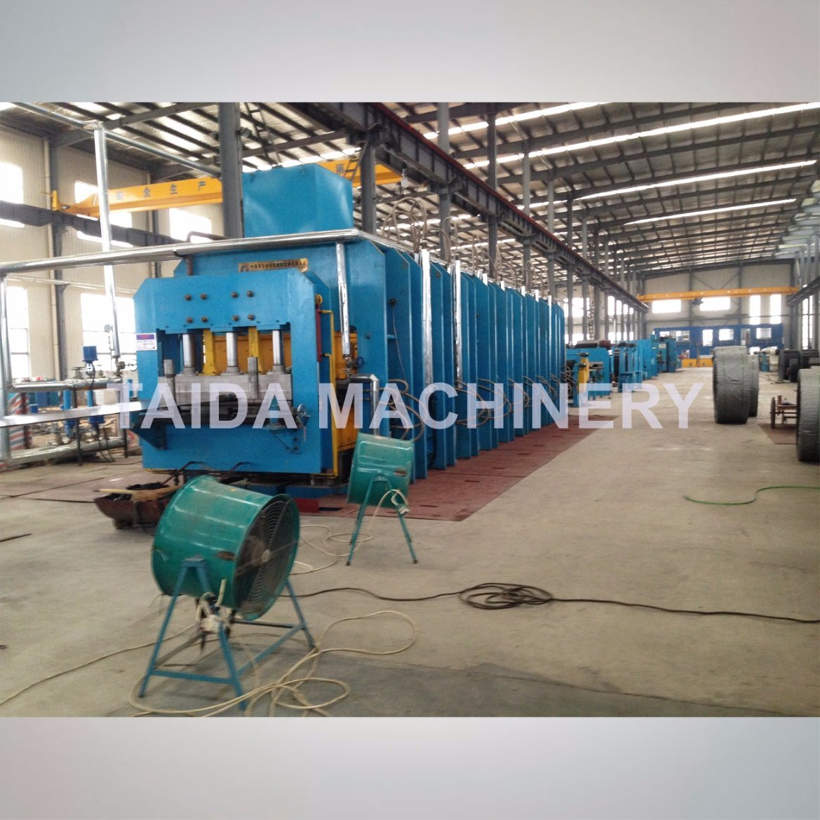 PLC Controlled Steel Cord Rubber Conveyor Belt Vulcanizing Press Platen Hydraulic Curing Press Vulcanizer Machine