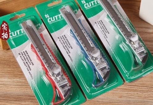 Quality Plastic Cutter Knife