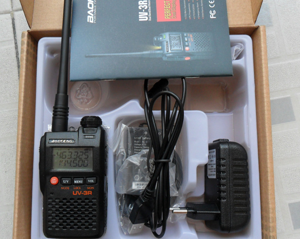 2-Way Radio Baofeng UV-3r Dual Band Ham Radio Transceiver