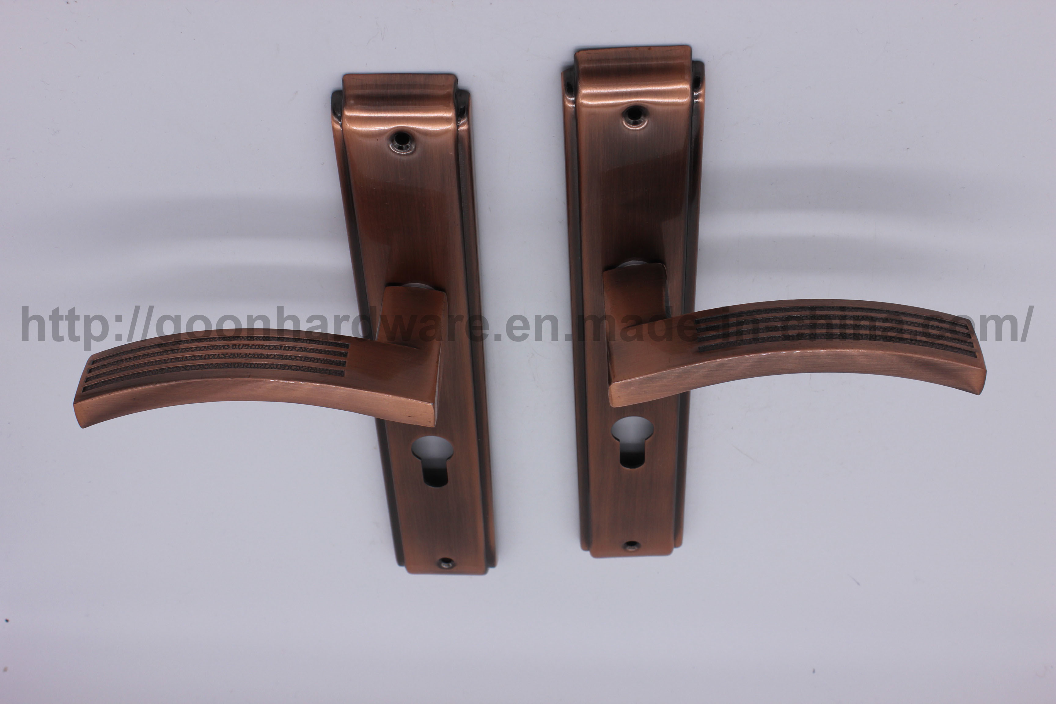 Aluminum Handle on Iron Plate 066