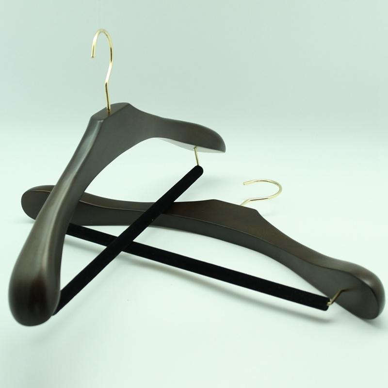 Yeelin Luxury Hotel Wooden Coat / Suits Hanger with Flocking Pant Bar