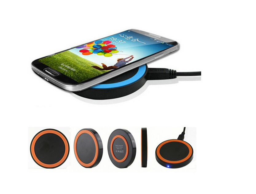 Universal Solar Wireless Mobile Phone Charger