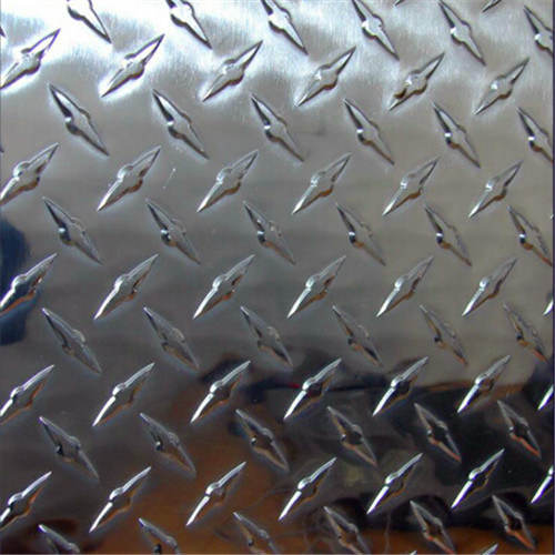 Bright Aluminum Checkered Plate with Compass Patter