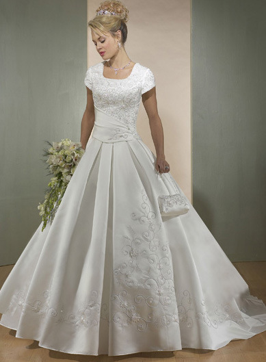 2012 embroidery wedding dress bridal gown with sleeves 0711001