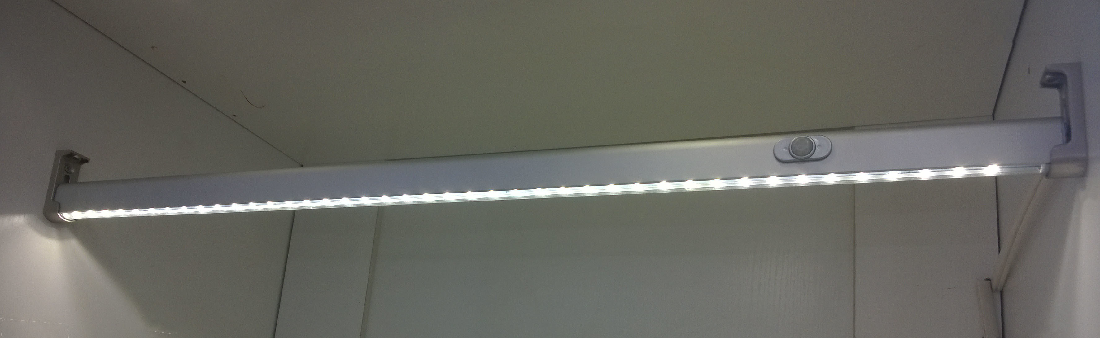 Sensor LED Inner Wardrobe Light for Hanging Rod