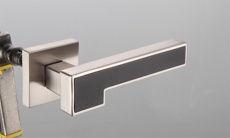 Hot Zinc Alloy Door Lock Handle (Z0-22294 SNB)