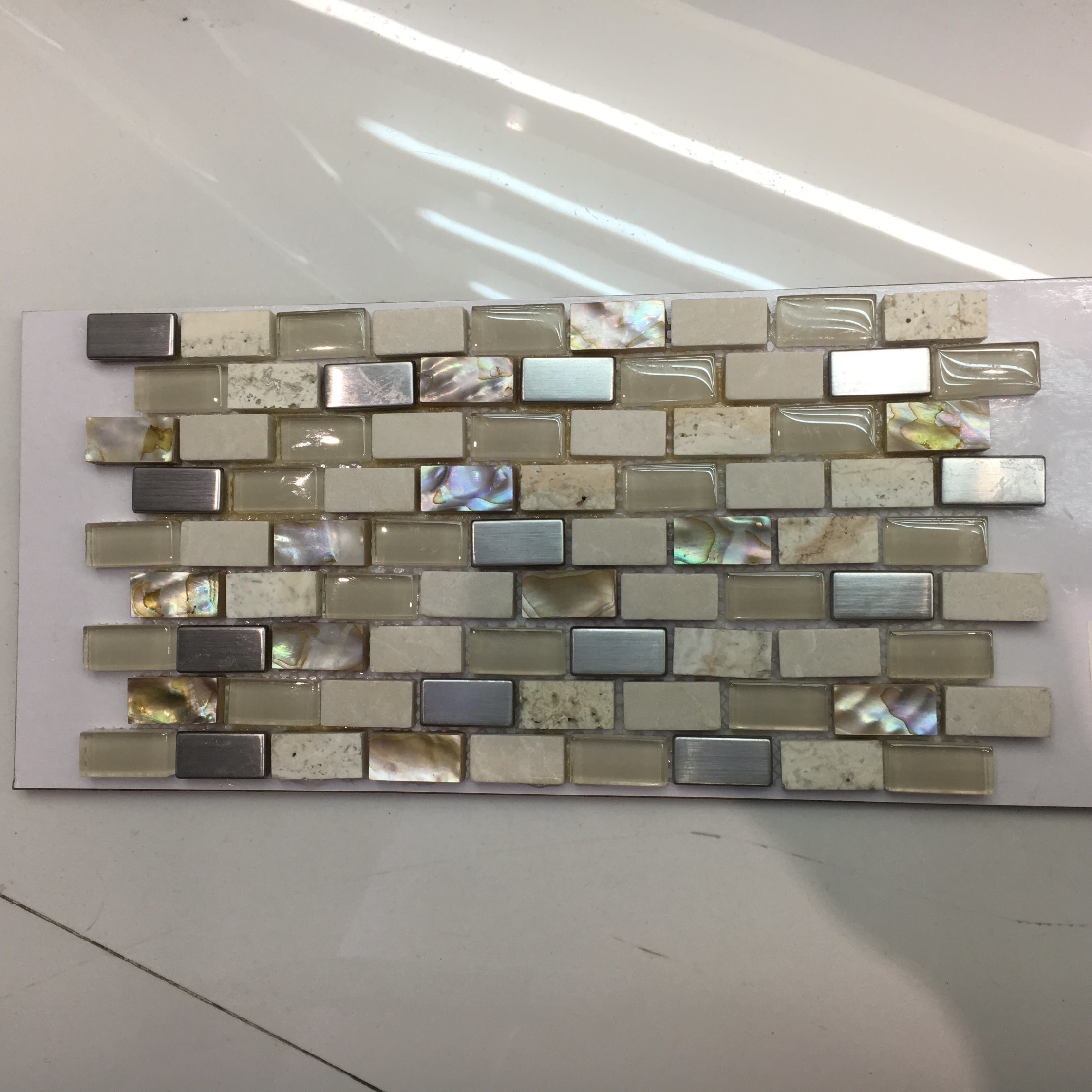 Hot Sale Glass and Marble, Shell Mixed Mosaic Tile (15*30mm)