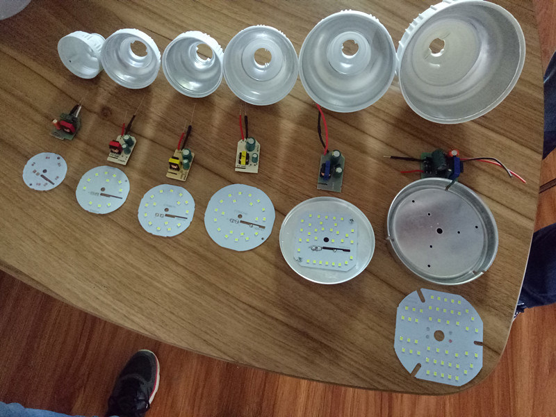 10W E27 6500K LED Bulb Parts LED Bulb Lamp