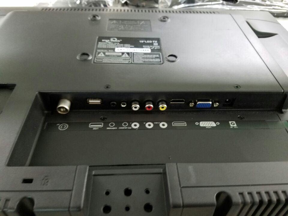 """32"""" 3D TV/32"""" LED TV"""