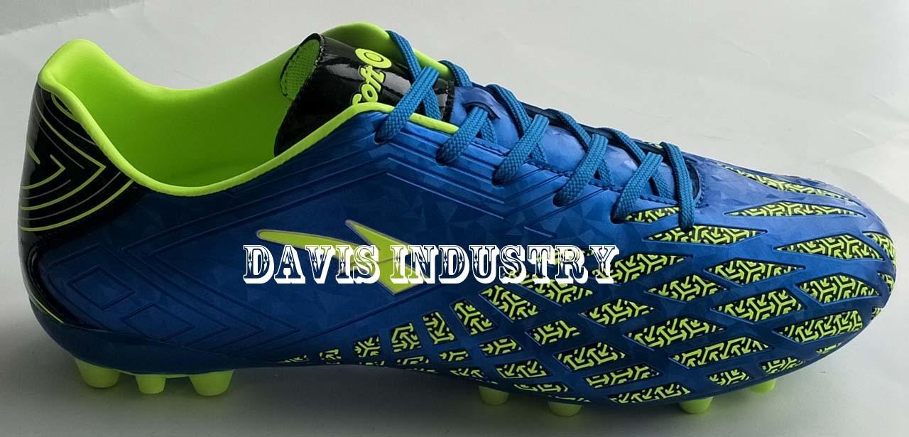 Embossed Soccer Boots for Men