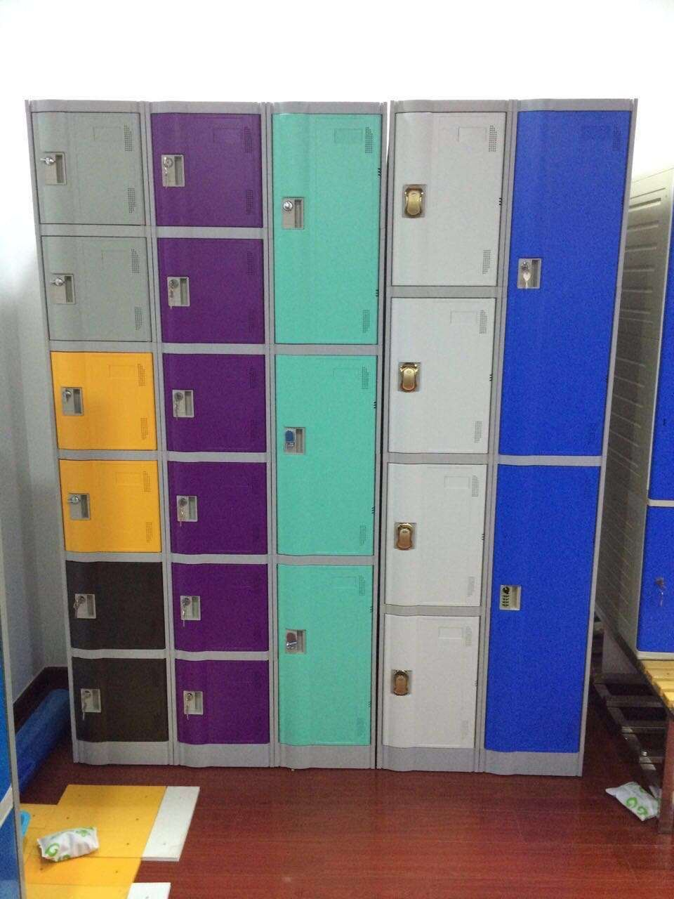 Electronic Plastic Locker for Supermarket, Gym and Dressingroom Le32