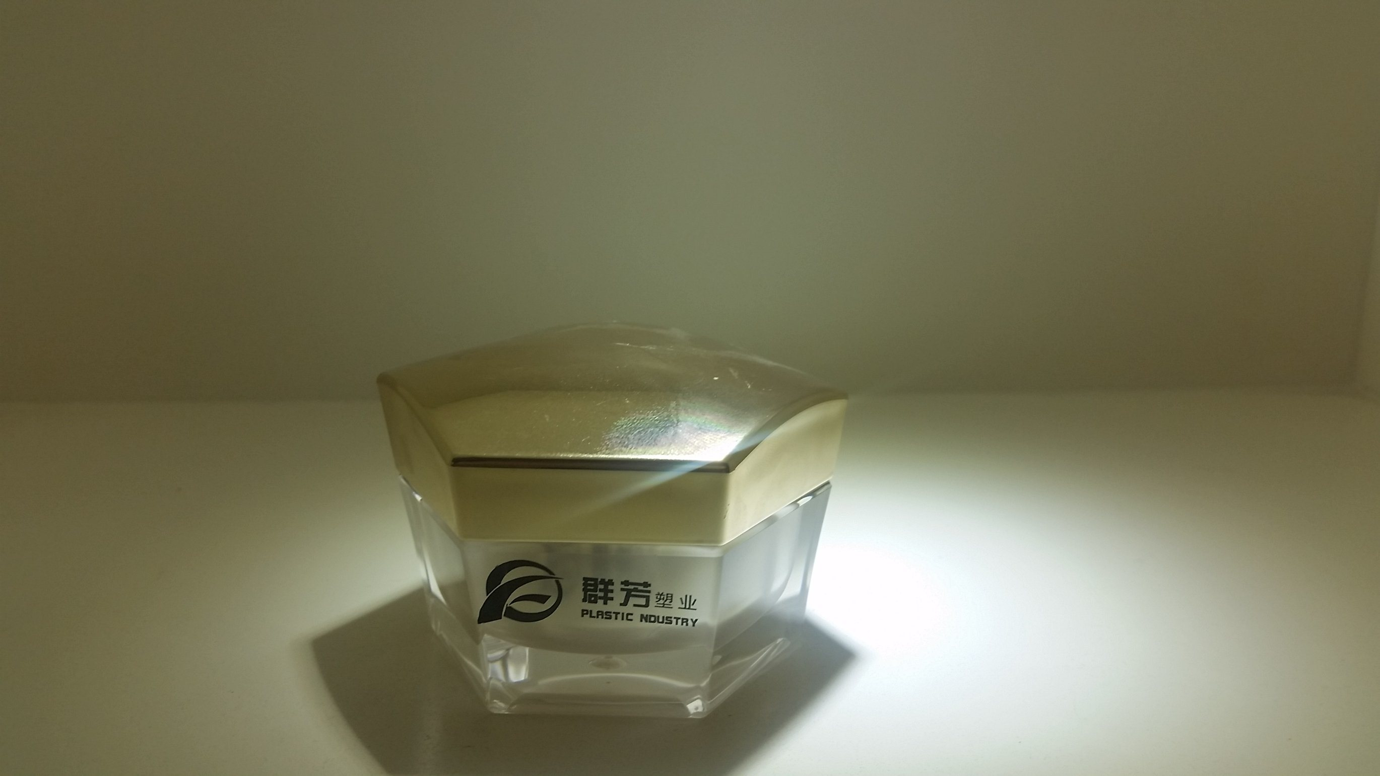 Qf-A3913 Plastic Hexagonal Bottle