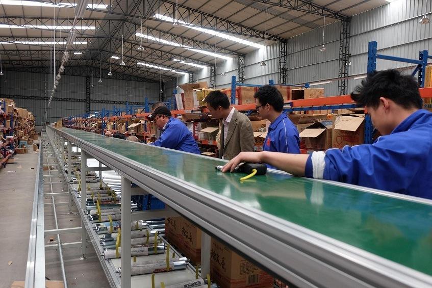 Gravity Roller Conveyor in Conveyor System