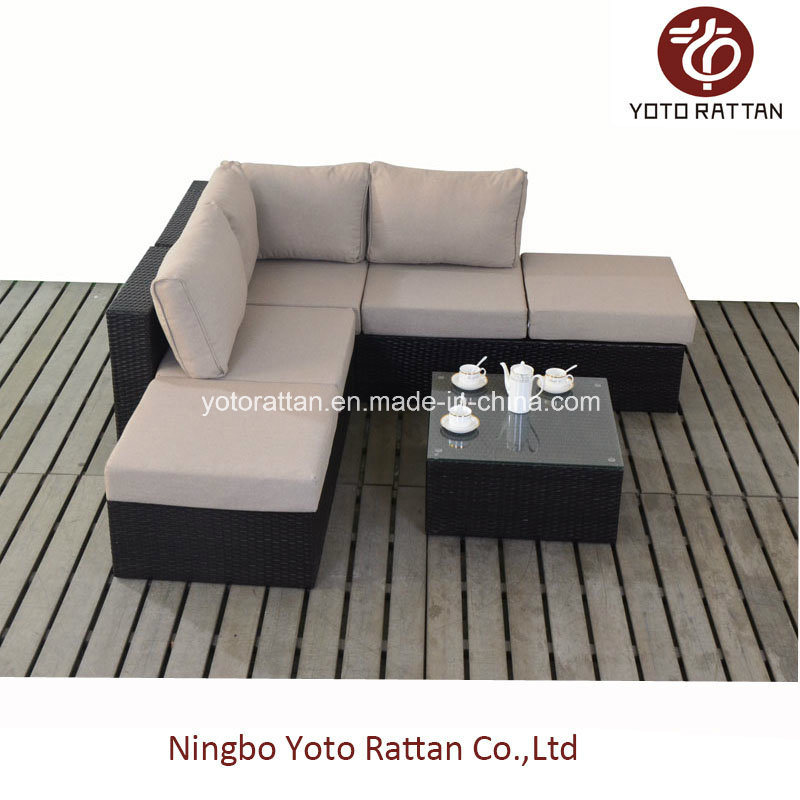 Small Corner Sofa in Brown (1101)