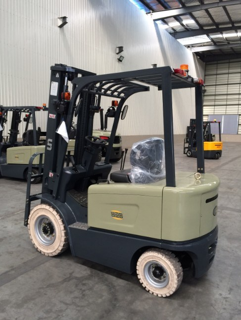 Un 2.0t 4-Wheel Electric Zapi Controller Forklift with 2-Years Warranty (FB20)