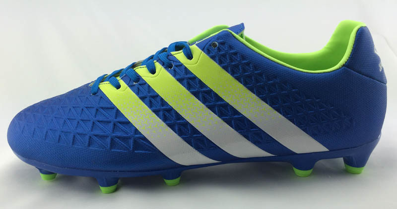 Men′s Trainee Football Shoes