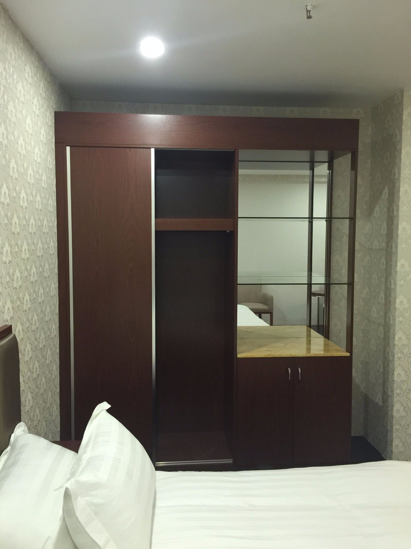 5 Star Hotel Modern Bedroom Furniture/Hilton Hotel Furniture/Standard Hotel Kingsize Bedroom Suite/Kingsize Hospitality Guest Room Furniture (KNCHB-0111103)