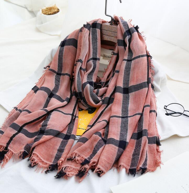 Fashion Design Cotton Linen Material Spring Plaid Scarf