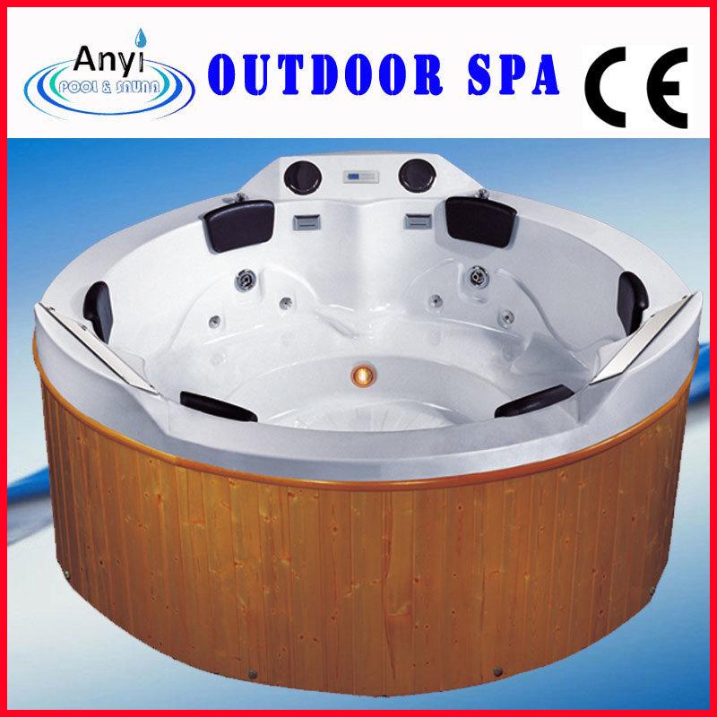Vasca da bagno di legno esterna rotonda di massaggio del for Vasca da bagno esterna