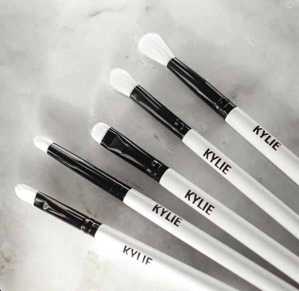 Kylie Jenner Holiday Collection Makeup Brush Set 5 Piece/Set Brush