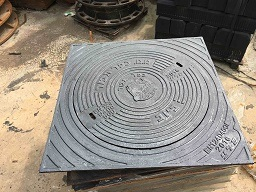 En124 D400 Heavy Duty--Square Frame Round Cover Manhole for