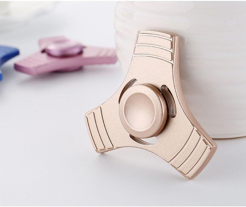 Factory Wholesales Multi Colors Metal Alloy Fidget Hand Finger Spinner