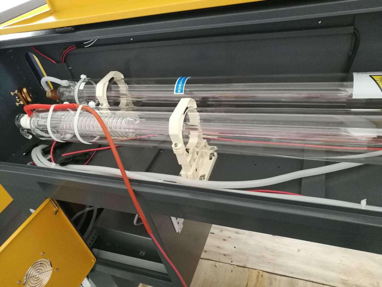 Leather/ Cloth CO2 100W 1610 Laser Cutting Machine