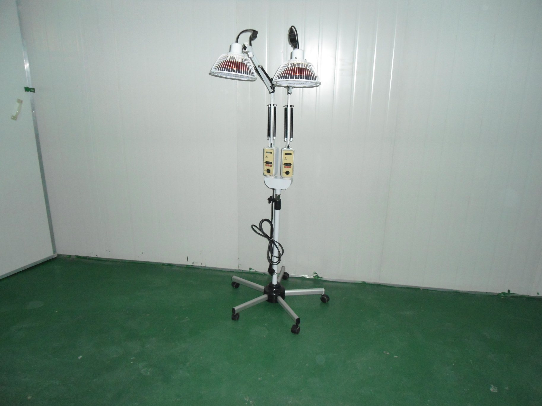 Tdp Lamp (CQ-55A) , Healing Lamp, Far Infrared Lamp, Miracle Lamp with FDA 510k for Eczema, Contact Dermatitis, Neurodermatitis, Herpes Zoster, etc.
