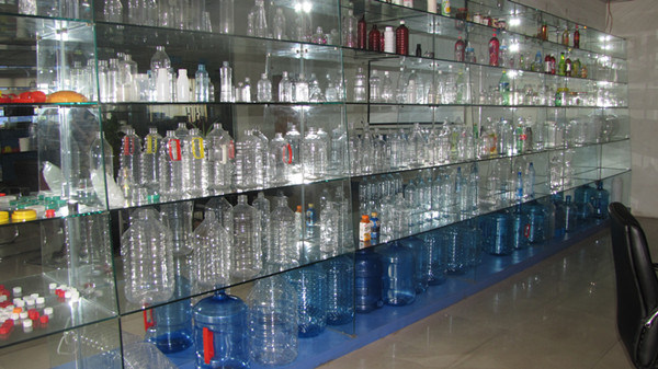 5 Gallons Plastic Bottles Semi-Automatic Pet Blow Molding Machine