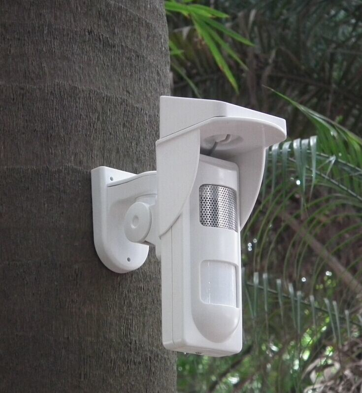 Outdoor Solar-Powered Spot Alarm PIR Detector with Sound and Light Alert