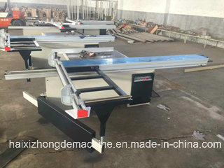 Precision Sliding Table Saw for Cutting Wood