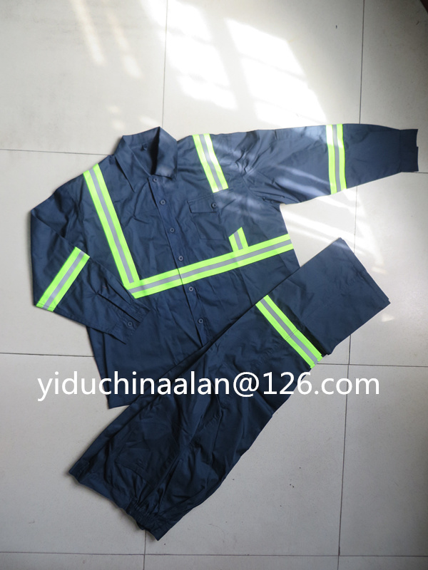 Safety Suits with Reflective Tapes