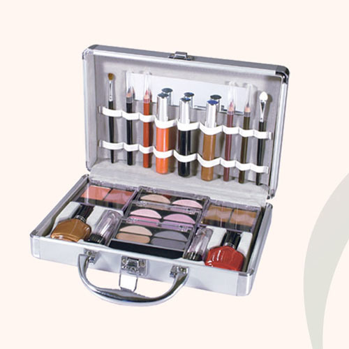 Make Up Set (1) - China Aluminum Case, Cosmetics, Eyeshadow in