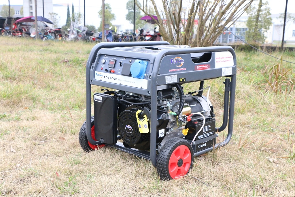 5kVA Key / Electric Start Gasoline Petrol Generator Set with Air Cooled Four Stroke Overhead Valve (OHV) Gasoline Engine