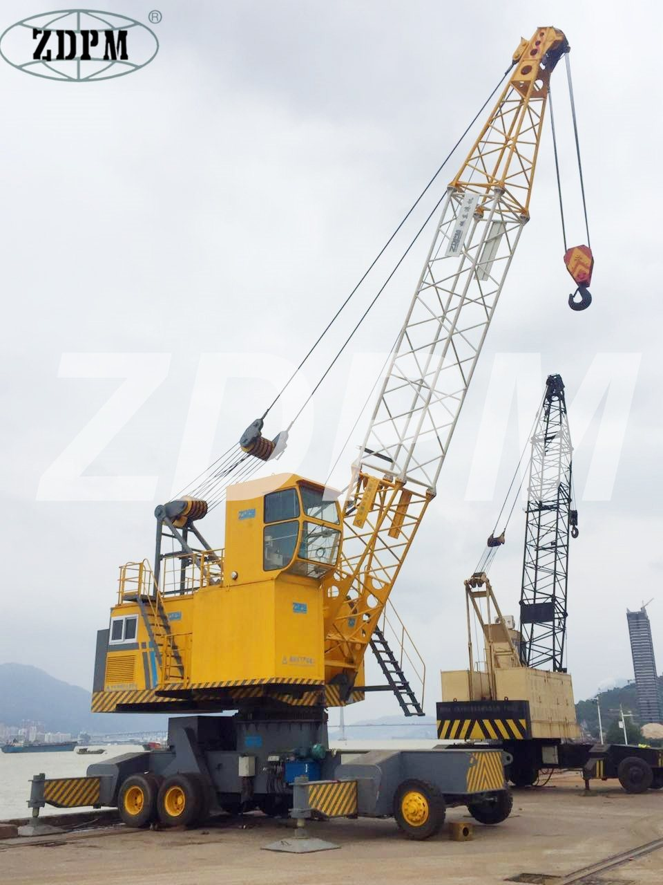 Port Mobile Crane with Grab for Barge Handling