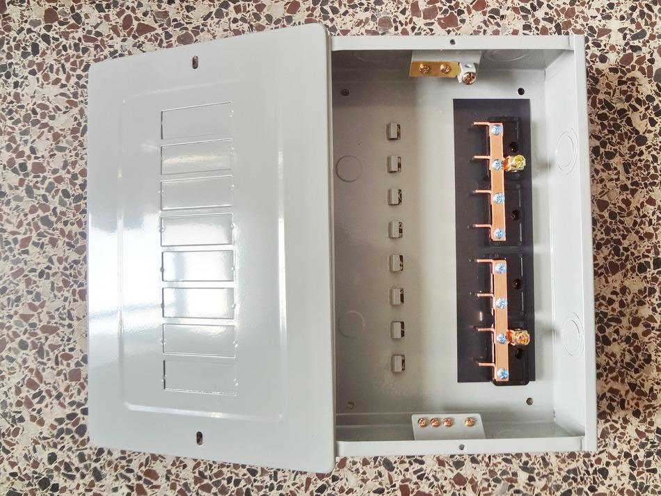 GTLS8-8way Plug in Load Center